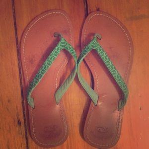 645041df39f7 Vineyard Vines Shoes - Vineyard Vines green leather flip flops